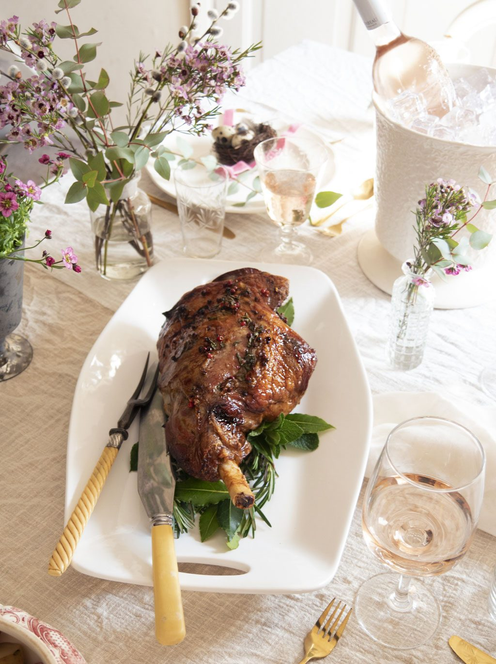 Roast lamb with rosé glaze - Mirabeau Wine