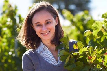 Mirabeau-winemaker-nathalie-longefay-oenologist