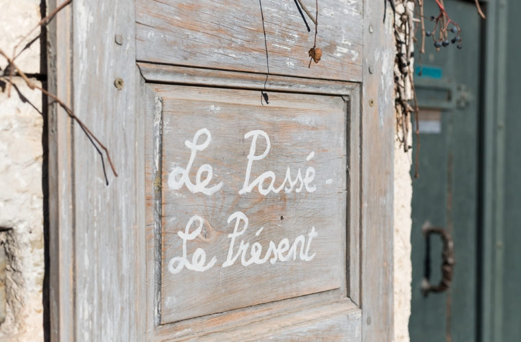 Le Passé - Le Présent shop in Cotignac, Provence