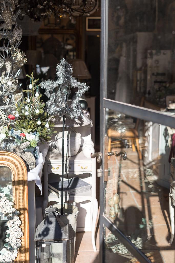 Inside the beautiful shop Le Passé-Le Présent