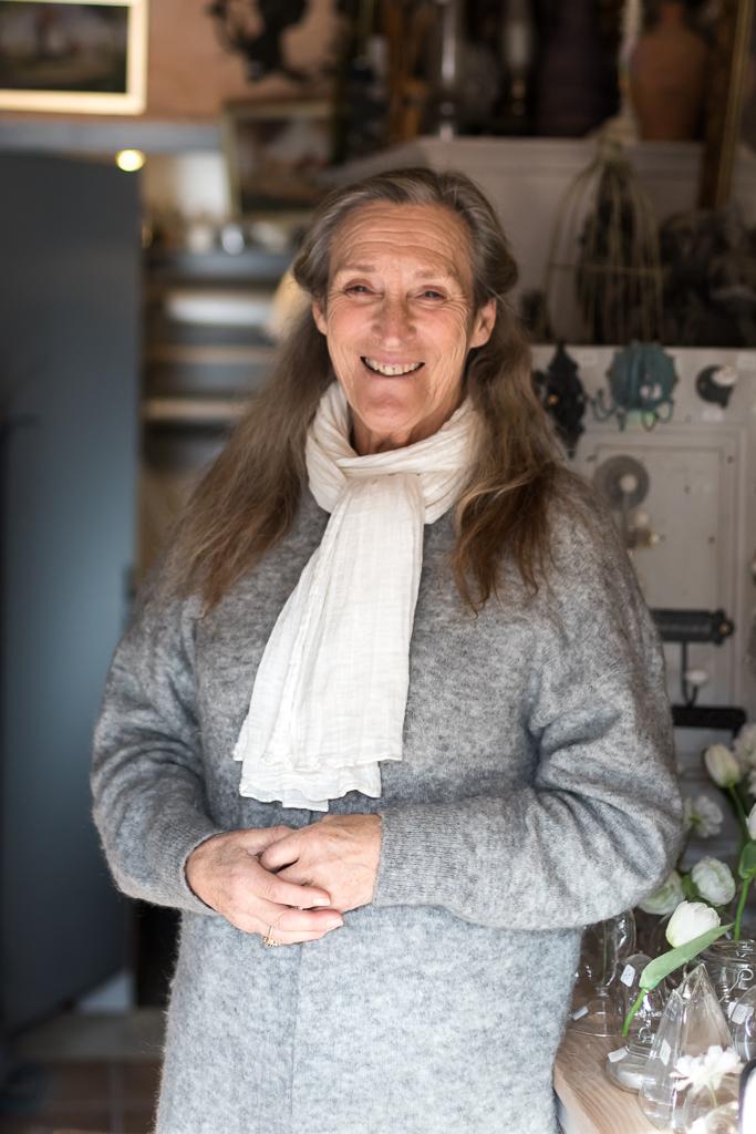 Nadine Dehennin, the owner of Le Passé - Le Présent