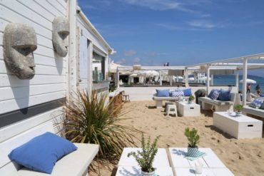 Ramatuelle Mirabeau gals beach bar