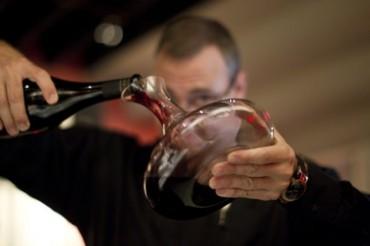 decanting-wine-1