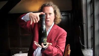 open-a-bottle-of-champaigne