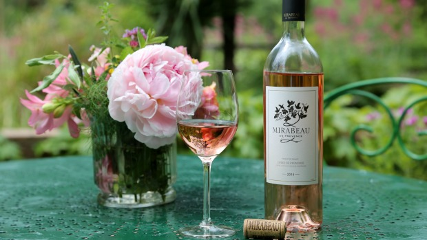 start-up-Mirabeau-en-Provence-photo-Classic-rose-wine-620